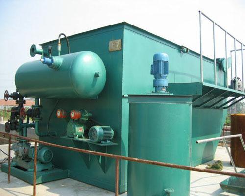 二,平流式溶气气浮机工作原理: 溶气罐产生溶气水,溶气水通过释放器