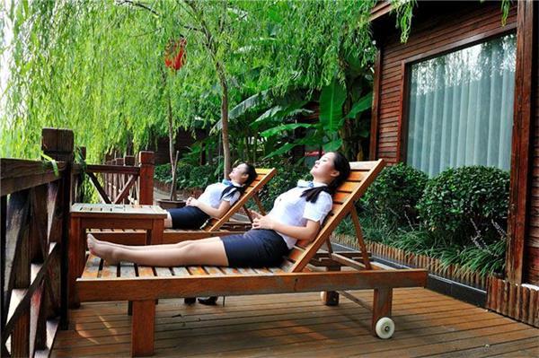 上海文峰美容美发学校环境