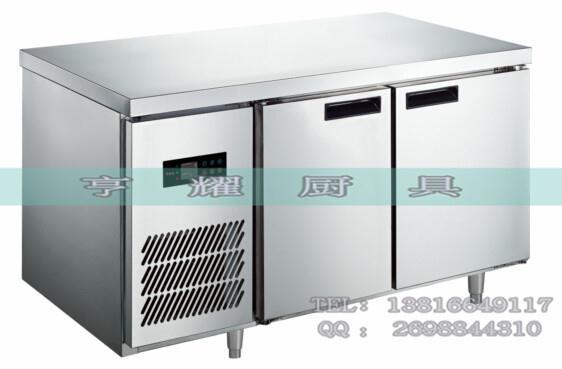 我公司销售这款机器集合了国内先进的省电结构设计,双门卧式冷柜在