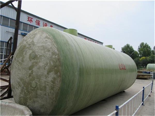 玻璃钢化粪池结构:玻璃钢化粪池发展至今,外形一般为横放的圆筒状