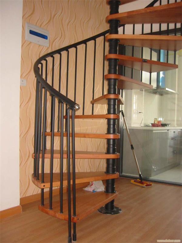 北京亿豪楼梯【13366892472】隶属于北京亿豪尚品商贸有限公司公司。创建于2008年,经过近年来的发展,我们已经成为了一家集开发、设计、制作、销售、工程安装为一体的专业化现代化的楼梯生产制作中心。拥有专业完备的楼梯生产工艺体系,专业的技术人员。专业生产各种实木、钢木、铁艺、玻璃、不锈钢材质的楼梯,以及楼梯周边相关的踏板、扶手、护栏、铁艺大门等产品。近年来,我们不断进行新款式研究开发,结合家装、工装楼梯的需求,不断推陈出新,形成了我们亿豪独有简约、现代、中式、欧式等不同风格类型的楼梯。另外我们通过对