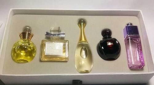 法国迪奥真我系列香水进口到上海怎么收费?