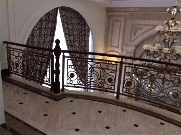 双复式楼室内装饰铜艺雕花镂空镀古铜色楼梯护栏