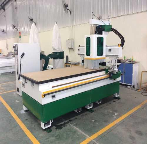 自动换刀吸塑门板加工中心厂家 自动换刀吸塑门板加工中心制造商