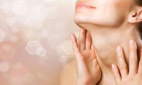 解析脖子上长痘痘是什么原因 九大对策教你脖子不在长痘