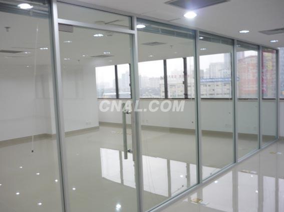 崇文区安装玻璃隔断新世界定做更换窗户换玻璃