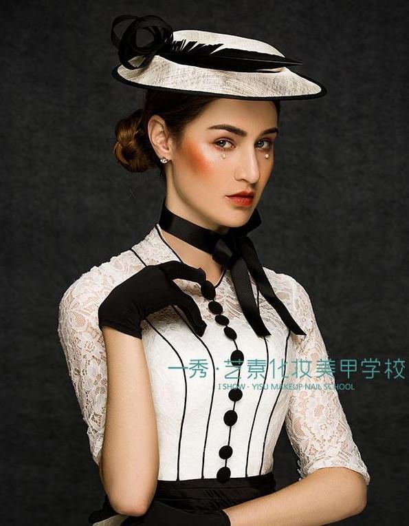 欧式黑白帽子装