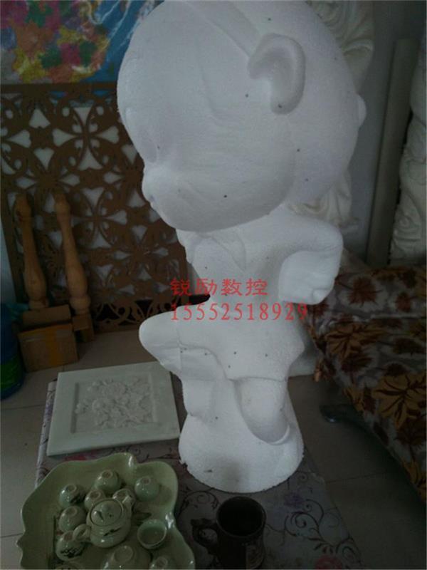 山东哪家的泡沫雕刻机质量好 价格便宜 大型泡沫雕塑雕刻机的价格