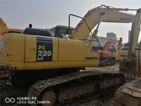 出售二手挖掘机小松220-7 现货可试车