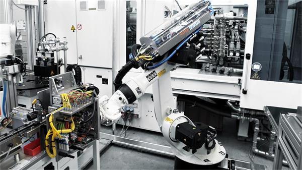 KA KR16六轴工业机器人高清图片