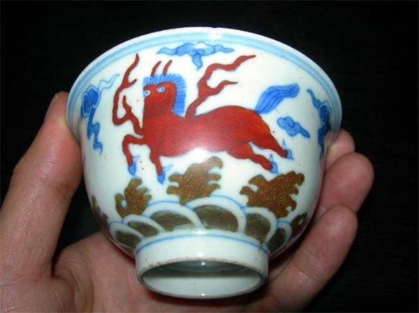 大明成化斗彩瓷器拍卖去哪里