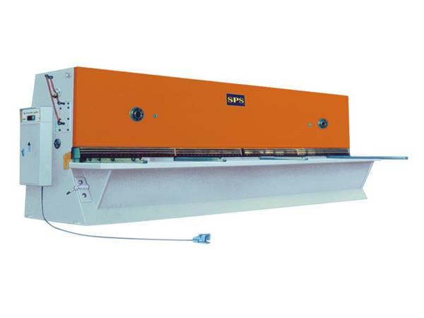 上冲QC11Y系列闸式剪板机