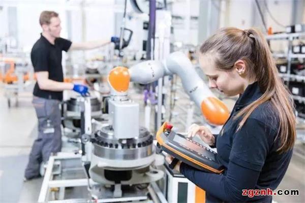 机器人,工业机器人,服务机器人,无人机,清洁机器人