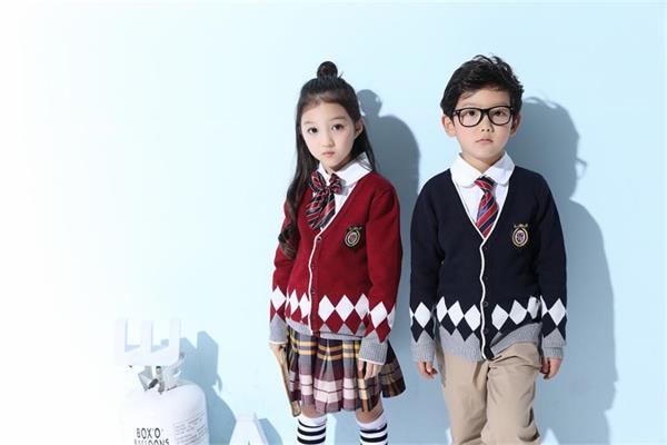 上海校服展迎来中国学生毛衫领导品牌——诗澜服饰