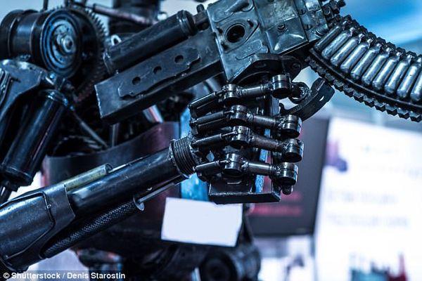 专家:人类应放弃控制机器人 机器人比人更可靠