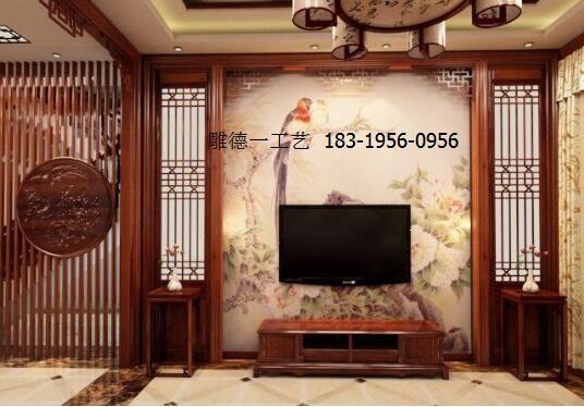 diaode 2018/1/12 9:11:31  2,在装修时采用了中式的木雕花格来装饰图片